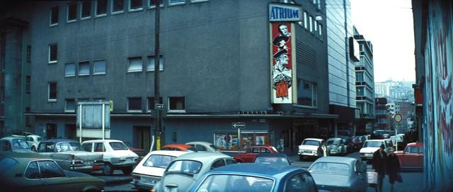 Atrium_Stuttgart_Br_cke_am_Kwai_Au_enbwerbung_1973-1.sized